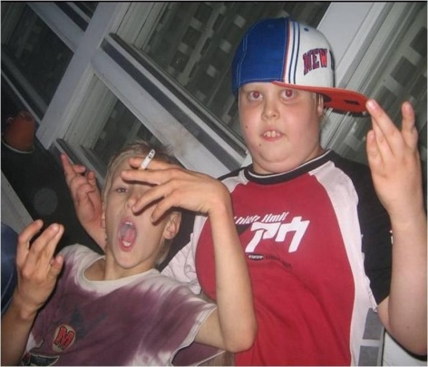 kids smoking gang signs